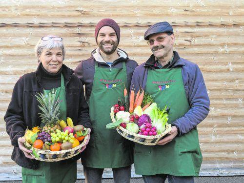 Cornelia, Tobias und Hans Pehersdorfer sorgen für den gesunden Vitaminschub.