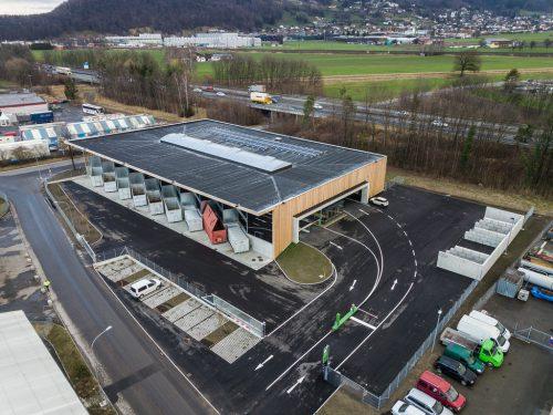 Das Altstoffsammelzentrum Vorderland ist Anlaufstelle für Bürger aus zwölf Gemeinden und der Stadt Feldkirch.VN/Steurer