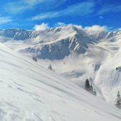 """<p class=""""caption"""">Das Făgăraș-Massiv in denSüdkarpaten ist bekannt für seine wilden und schroffen Berge. Sibiu 100%</p>"""