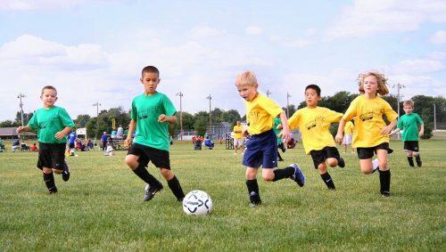 Das Spiel mit dem Ball muss vom Fußballplatz in die Wohnung verlegt werden.VFV