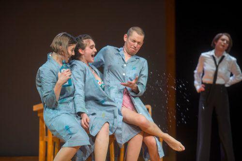 """Das Stück """"Hollenstein, ein Heimatbild"""" von Thomas Arzt wurde am Freitagabend in Bregenz uraufgeführt.VN/Paulitsch"""