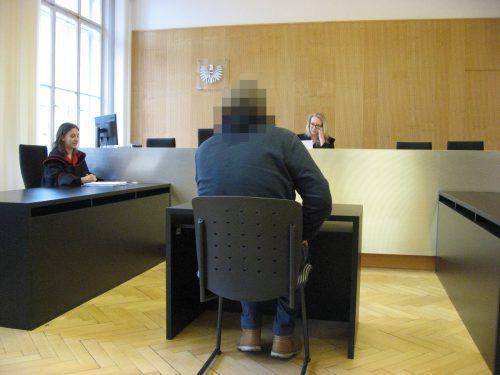 Der Angeklagte war mit dem vom Gericht gefällten Urteil ganz und gar nicht einverstanden und ging in Berufung. eckert