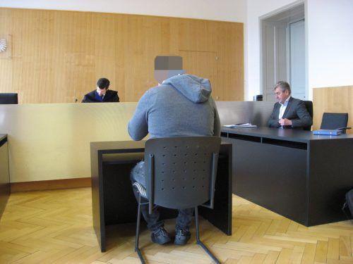 Der Angeklagte will seine Komplizen nicht preisgeben. eckert