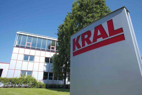 Der Betrieb bei Kral in Lustenau läuft seit über einer Woche im Krisenplan. Die Pumpen und Messgeräte sind Bestandteil versorgungsnotwendiger Prozesse. FA