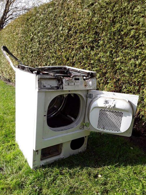 Der Wäschetrockner wurde durch den Brand komplett zerstört. FW Hohenems