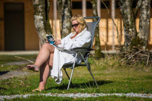 Die 45-Jährige nutzt die Freizeit zum Lesen.