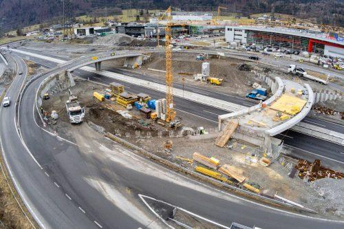 Die Asfinag hat ihre Baustellen bereits heruntergefahren. Bei den ÖBB stehen Entscheidungen noch aus.