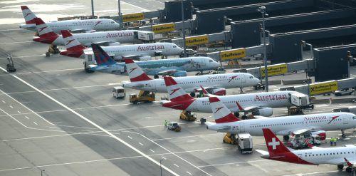 Die Austrian Airlines kündigten am Sonntag an, nächste Woche weiter zu reduzieren. Das Ausmaß sei aber noch unklar. reuters