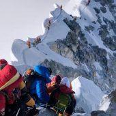 Nepal setzt Mount-Everest-Besteigungen aus