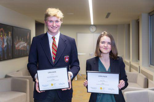 Die glücklichen Gewinner des Klimawandel-Schreibwettbewerbs: Gordian Bartholomäus Gudenus und Katrin Ellmer.Johannes Brunnbauer