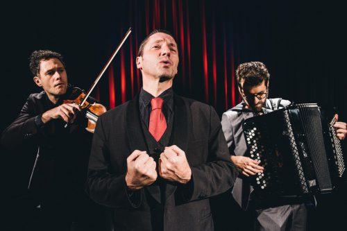 Die Jeunesse lädt das Trio folksmilch nach Vorarlberg.folksmilch/Max Parovsky