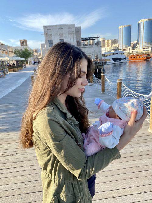 Die kleine Amal soll in Dubai aufwachsen.
