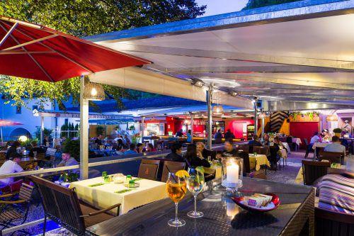 Die Palast Gastronomie ist einer der umsatzstärksten Gastronomiebetriebe des Landes, im Bild der Garten des Hohenemser Lokals. FA/Walser