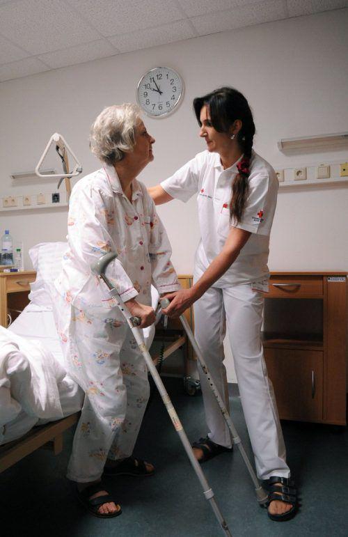 Die Pflege bietet Menschen mit entsprechender Qualifitikation und Einfühlungsvermögen eine echte Perspektive.