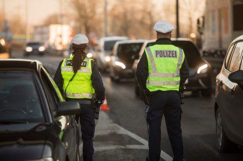 Die polizeilichen Kontrollen in den Nächten von Freitag bis Sonntag brachten insgesamt 21 Fahrzeuglenkern eine Anzeige ein. VN/RP