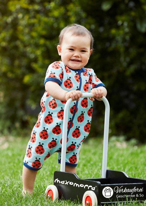 Die Verkauferei liefert Kleidung und Spielzeug für Baby und Kind. Verkauferei