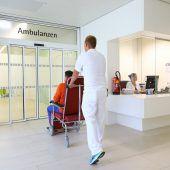 Schlagabtausch um Ambulanzen
