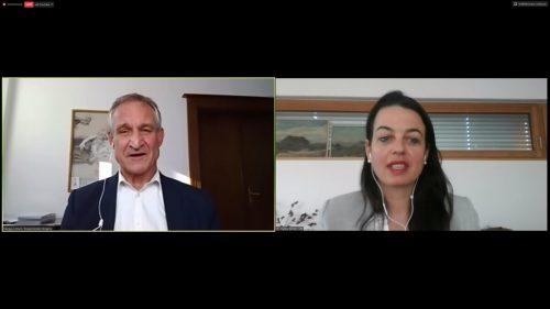 """""""Die Wirtschaft bekommt es ganz, ganz dick ab"""", sagt Stadtchef Linhart im Gespräch mit Hanna Reiner (VN)."""