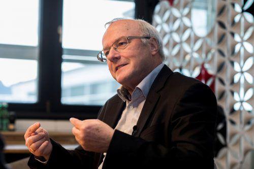 Dr. Reinhard Haller spricht über die psychologischen Kräfte Wertschätzung und Kränkung. vn/Paulitsch