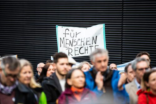 Ein Jahr lang gingen die Aktivisten sonntags auf die Straße. VN/SAms