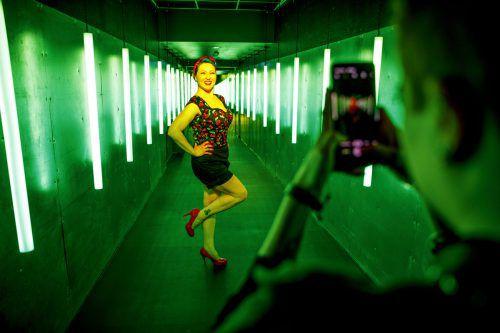 """Ein Paradies für Instagrammer: Im Berliner Selfie-Museum """"The WOW! Gallery"""" darf aus Herzenslust gepost werden. APA"""