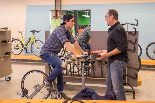 Einen Anhaltspunkt bei der Auswahl bietet die Größe des Rahmens, auch Rahmenhöhe genannt. www.velotraum.de  pd-f