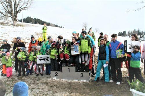 Einen Riesentorlauf-Durchgang hatten die 100 Teilnehmer der Vereinsmeisterschaft des SV Sulz-Röthis zu bewältigen. HW