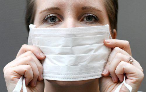 """""""Es meinen alle sofort, dass du auch das Virus hast und dass du ansteckend bist"""", sagt die junge Unterländerin. Symbolbild"""