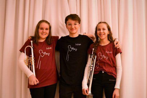 Fabienne Summer und Emelie Summer traten zusammen mit Elias Kicker als SuSuKi-Trompetenensemble an. MV Weiler/Summer