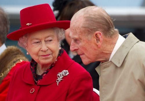 Die britische Königin Elizabeth II. und ihr Mann Prinz Philipp haben sich auf Schloss Windsor zurückgezogen. Reuters