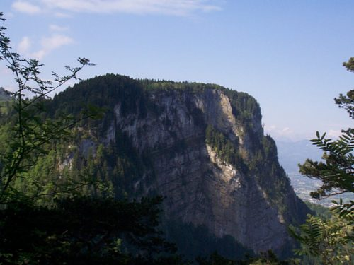 """Gelber Felsen"" hoch über dem Hatlerdorf.rha"