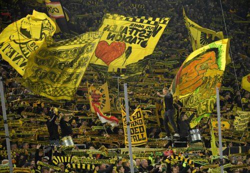 Gerade Borussia Dortmund lebt bei Heimspielen von der Stimmung auf den Fanrängen.afp