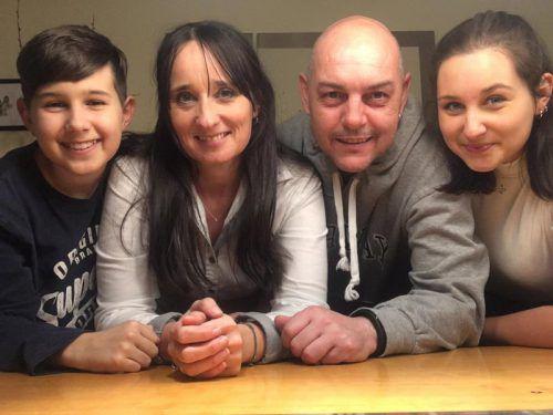 Gianni, Sandra, Walter und Chiara Corona (v.l.) müssen sich wegen ihres Nachnamens momentan viel anhören.