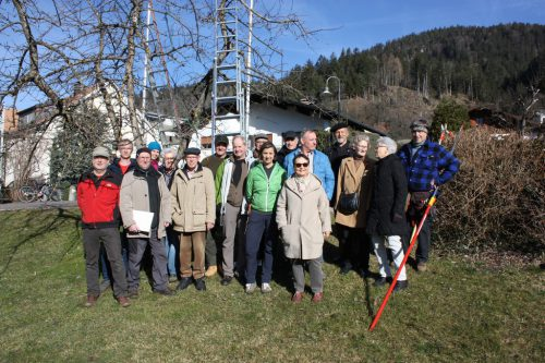 Große Anzahl an interessierten Kursteilnehmern beim Winterschnittkurs.ogv nüziders