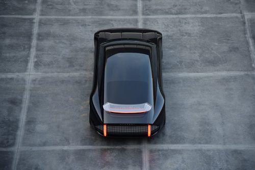 Hyundai elektrifiziert nun auch seine großen Modelle. Wie ein künftiger Mittelklasse-Stromer aussehen könnte, zeigen die Koreaner mit der Studie Prophecy. Der Viertürer basiert auf einer neuen Elektroauto-Plattform für Modelle oberhalb der Kompaktklasse. Zum Antrieb der Studie macht Hyundai keine Angaben.