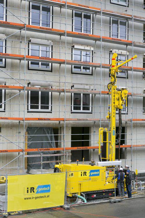 """Im Einsatz ist die Neuanschaffung derzeit beim Wohnbauprojekt """"Seeblick"""" in Lochau Süd. Dort wurde das Gerät am 3. März eingeweiht. i+R"""