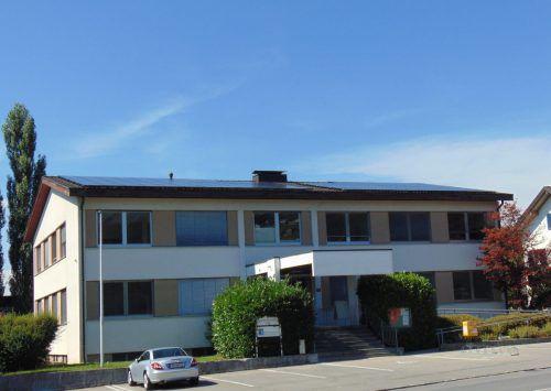 Im Gegensatz zu den anderen Vorderlandgemeinden gibt es in Sulz eine Einheitsliste. Bürgermeister Karl Wutschitz steht vor einer vierten Amtsperiode. mäser