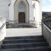In Weiler wird rund um die Kirche gearbeitet