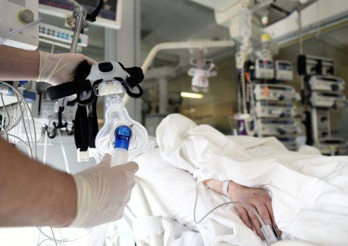 In den Krankenhäusern des Landes werden auch immer mehr Intensivbetten für Opfer der Corona-Pandemie benötigt.
