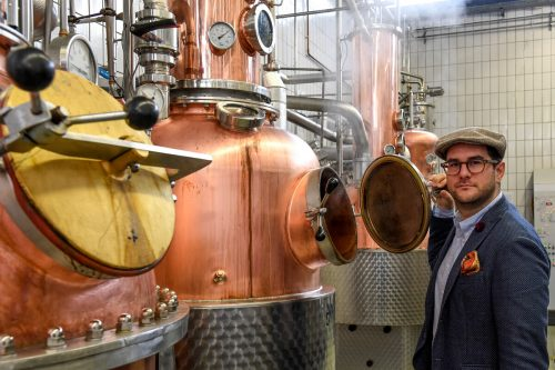 In der Destillerie Freihof von Johann Drexel wird aus Alt-Alkohol Desinfektionsmittel hergestellt.