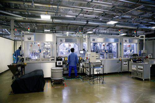 In vielen Branchen ist die Zusammenarbeit von Mensch und Roboter bereits Realität und hat neue Berufsbilder geschaffen.