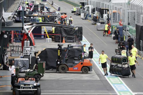 Kein Formel-1-Auftakt in Melbourne, die Formel 1 packt wieder zusammen.gepa, AP, reuters