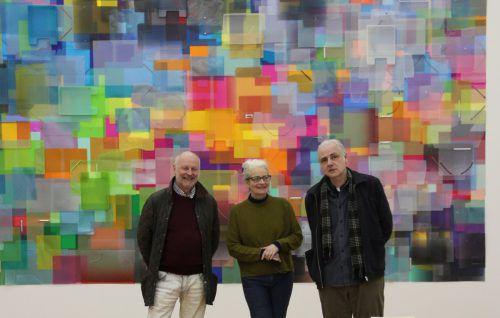 Kurator Manfred Egender mit den Künstlern Tina Haase und Gerold Tagwerker in der Remise Bludenz. AG