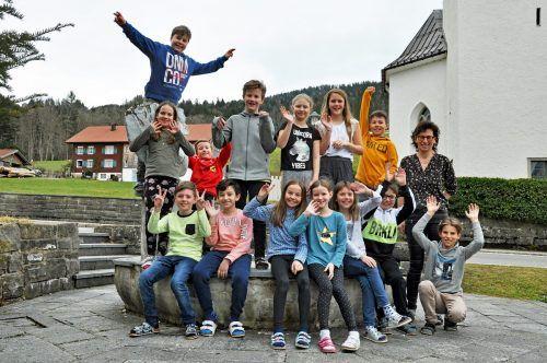 Kurz vor der Schulschließung stellten sich die Schüler zum Gruppenfoto auf. lcf