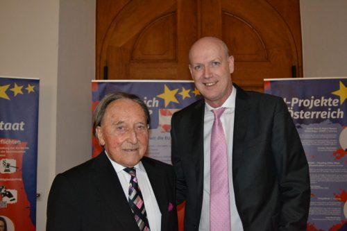 Landesarchivar Ulrich Nachbaur und Alt-LH Martin Purtscher (l.).