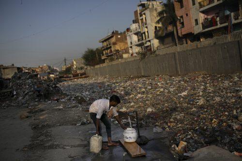 Laut Unesco haben 2,2 Milliarden Menschen keinen Zugang zu sicherem Trinkwasser. AP
