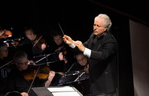 Manfred Honeck hat die Aufführung musikalisch geleitet. Theater/Rittershaus