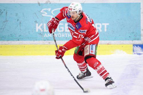 Manuel Ganahl tauscht in Coronazeiten Eishockeyschläger für Golfschläger ein.gepa