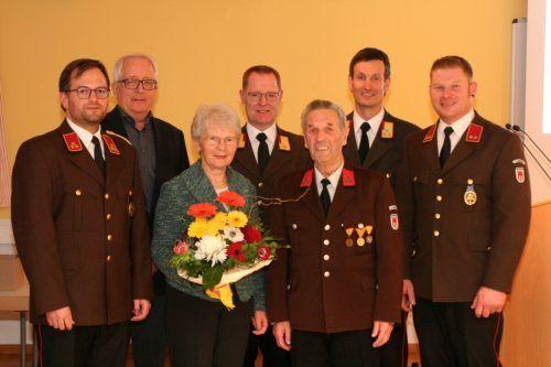Martin Milz wurde für 60-Jährige Mitgliedschaft bei der Feuerwehr geehrt.