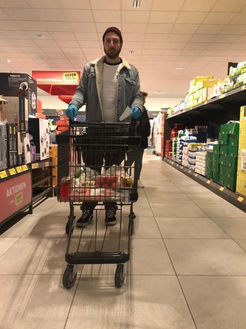 Mathias Haselwander ist dieser Tage oft im Supermarkt. Archiv